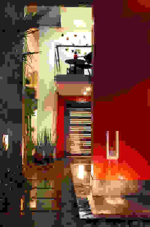 ingreso arketipo-taller de arquitectura Casas estilo moderno: ideas, arquitectura e imágenes