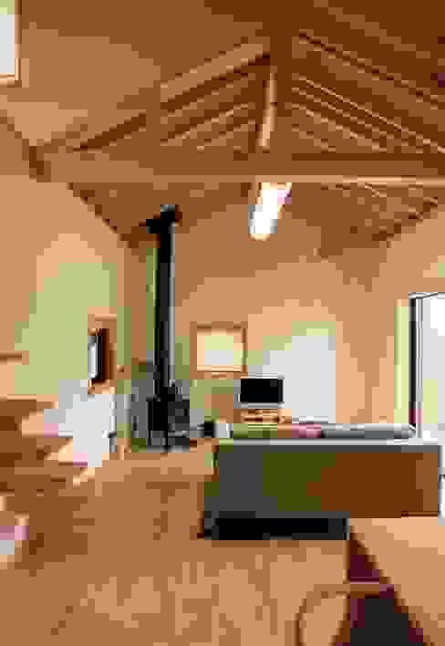 心地よい空間: (株)バウハウスが手掛けた現代のです。,モダン