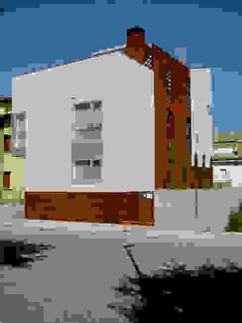 Vista principal Casas de estilo moderno de Comas-Pont Arquitectes slp Moderno