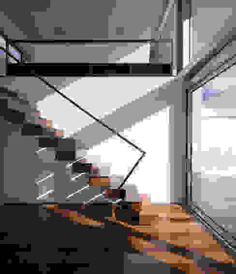 Casa em Aradas - Aveiro Casas modernas por RVDM, Arquitectos Lda Moderno
