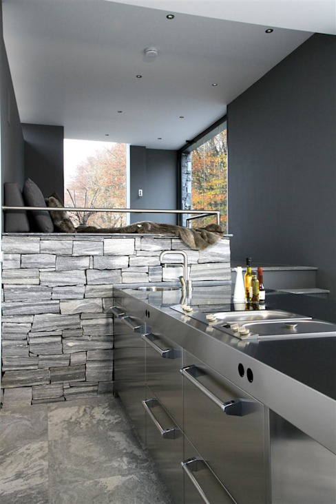 Poolhouse in graniet Moderne keukens van Arend Groenewegen Architect BNA Modern IJzer / Staal