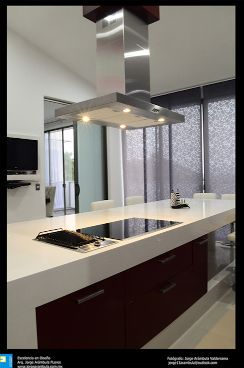 Excelencia en Diseño Modern Kitchen Engineered Wood Multicolored