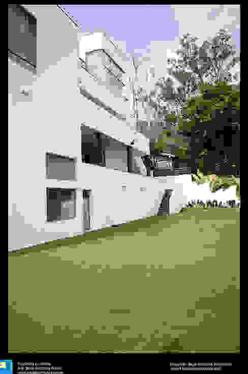 Balcone, Veranda & Terrazza in stile moderno di Excelencia en Diseño Moderno Laterizio