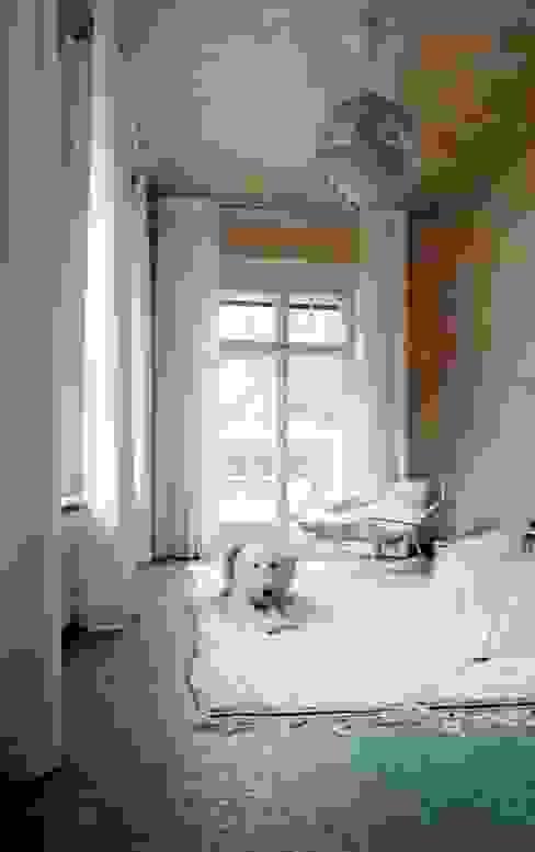 Landhausvilla S – Wintergarten Wintergarten im Landhausstil von Lena Klanten Architektin Landhaus