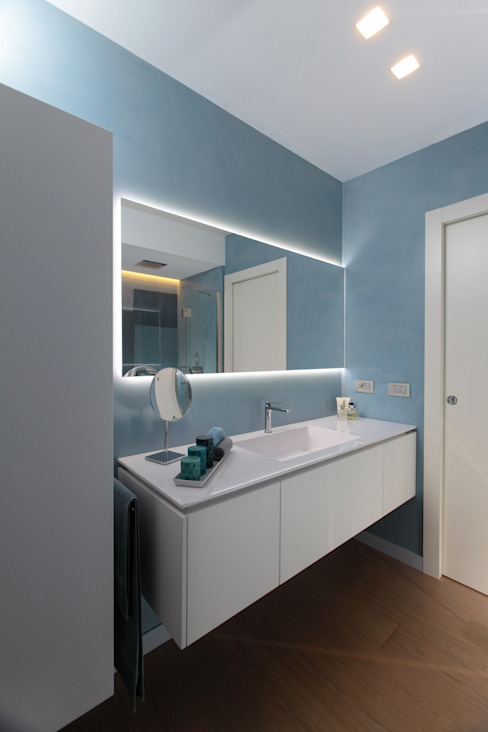 Bathroom by architetto roberta castelli, Modern