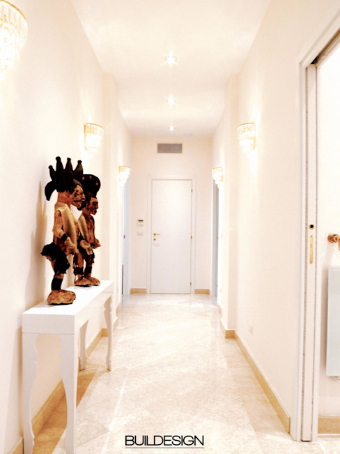 Couloir et hall d'entrée de style  par Buildesign, Moderne