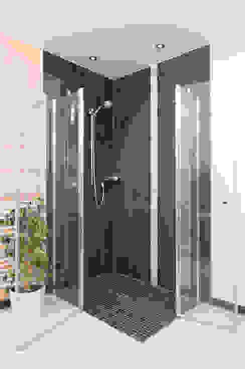 Salle de bains de style  par Natursteinwerk Rechtglaub-Wolf GmbH, Scandinave