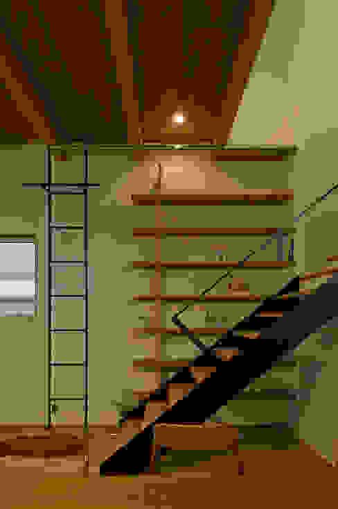 北方の家 オリジナルスタイルの 玄関&廊下&階段 の 浦瀬建築設計事務所 オリジナル