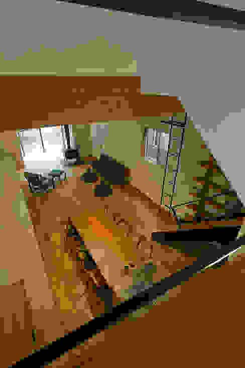 에클레틱 거실 by 浦瀬建築設計事務所 에클레틱 (Eclectic)