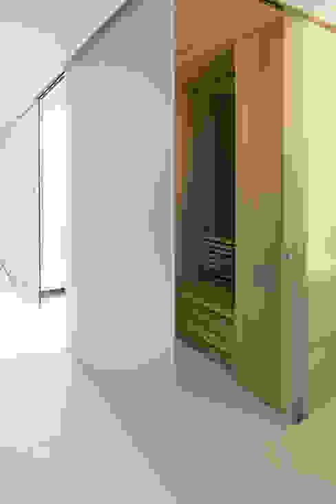 Spa by Lab32 architecten, Modern