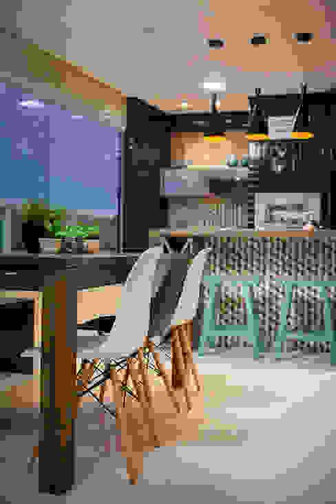 Apartamento A&R Varandas, alpendres e terraços ecléticos por Casa2640 Eclético
