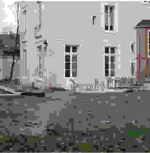 VORHER Moderner Garten von homify Modern