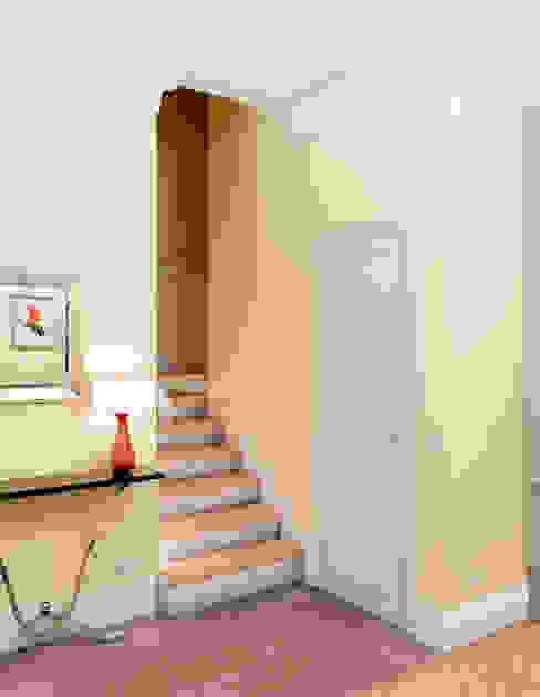 The way of living. Коридор, прихожая и лестница в модерн стиле от Marina Sarkisyan Модерн