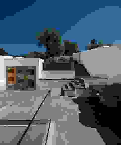 CASA 103 Modern Balkon, Veranda & Teras MARLENE ULDSCHMIDT Modern