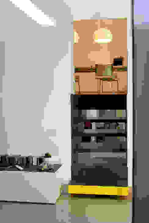 Realizzazioni Cucina moderna di antonio pelella + fabrizia costa cimino Moderno