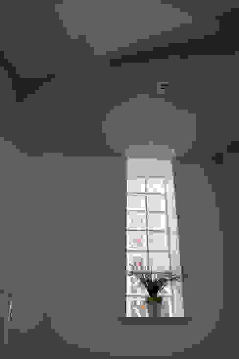 Realizzazioni Sergio Guastella STUDIO97 Finestre & Porte in stile moderno