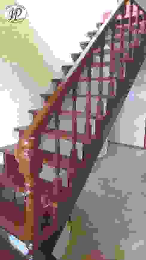 Интерьер и экстерьер частного дома Коридор, прихожая и лестница в классическом стиле от Ника-Фаворит Классический
