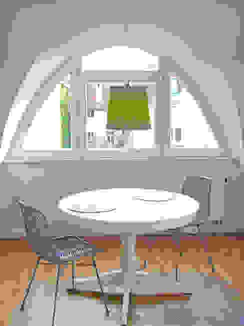 Apartment S03 Moderne Esszimmer von Holzer & Friedrich GbR Modern