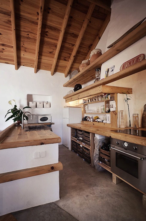Rustic style kitchen by pedro quintela studio Rustic Wood Wood effect