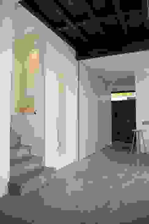 Коридор, прихожая и лестница в стиле минимализм от ARTERRA Минимализм Бетон