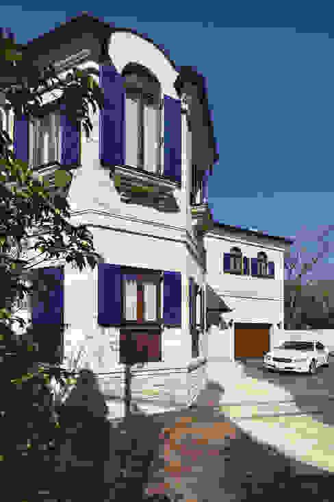 Mediterranean style houses by SANKAIDO | 株式会社 参會堂 Mediterranean
