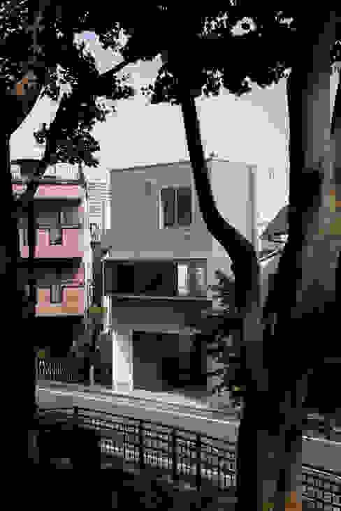 外観: 有限会社角倉剛建築設計事務所が手掛けた家です。,モダン