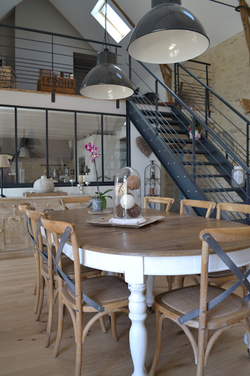Dining room by Courants Libres,