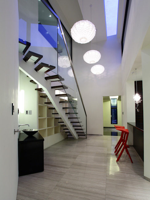 Modern Corridor, Hallway and Staircase by 'Snow AIDe Modern