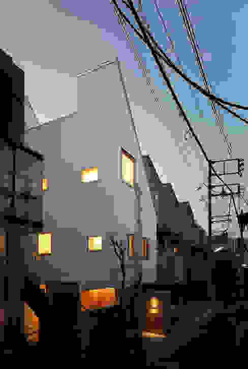アトリエ スピノザ Asian style houses