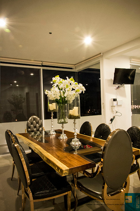 Modern dining room by Excelencia en Diseño Modern Solid Wood Multicolored