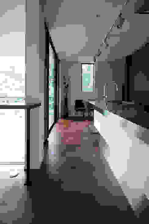 眺望の家 モダンな キッチン の 一級建築士事務所 株式会社KADeL モダン