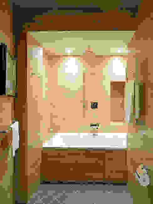 Petr Kozeykin Designs LLC, 'PS Pierreswatch' Classic style bathroom