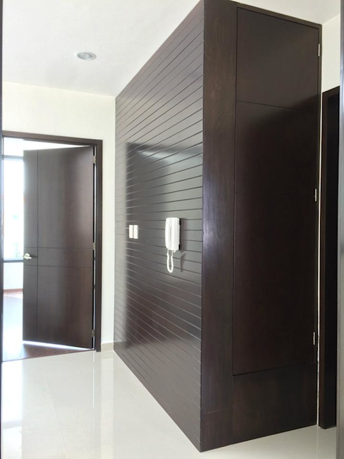 Modern corridor, hallway & stairs by homify Modern Engineered Wood Transparent
