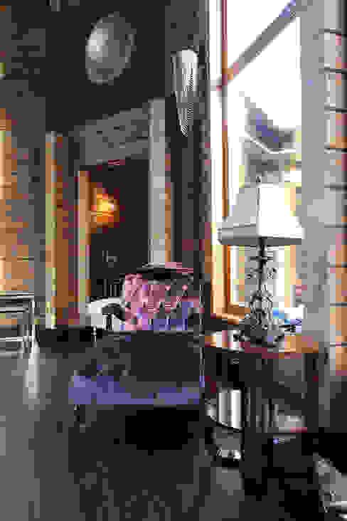 Log House Salas de estilo rústico de Orkun İndere Interiors Rústico Madera maciza Multicolor