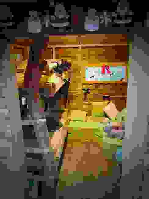 Une chambre dans les arbres Cabaneo Chambre d'enfant méditerranéenne Bois