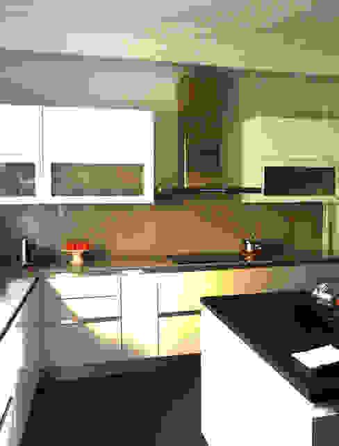 Cocina de la vivienda, estado reformado Cocinas de estilo moderno de CPETC Moderno