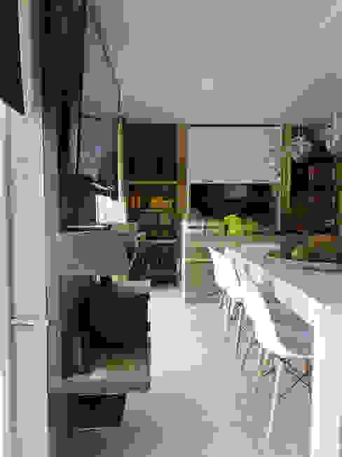Mueble deTV: Hogar de estilo  por María Florencia Funes,