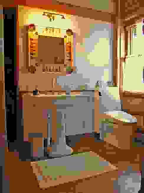 Ванные комнаты в . Автор – Cottage Style / コテージスタイル