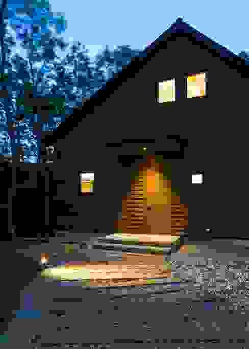 Rumah Modern Oleh Unico design一級建築士事務所 Modern Kayu Wood effect