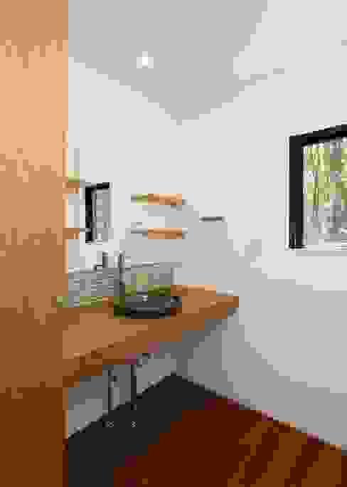 Unico design一級建築士事務所의  욕실, 모던 우드 우드 그레인