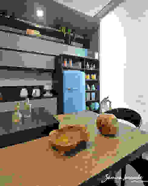 Projekty,  Kuchnia zaprojektowane przez Samira Jarouche Arquitetura & Interiores, Eklektyczny