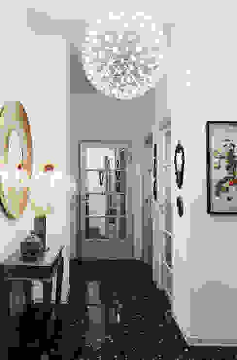 Couloir, entrée, escaliers modernes par Studio Marco Piva Moderne