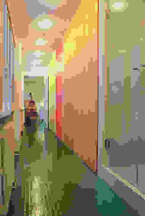 Baños de estilo moderno de Di Origine Progettuale DOParchitetti Moderno