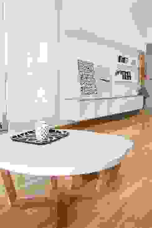 Salon minimaliste par Trua arqruitectura Minimaliste