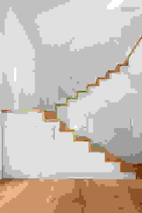 Modern Koridor, Hol & Merdivenler Tarimas de Autor Modern Ahşap Ahşap rengi