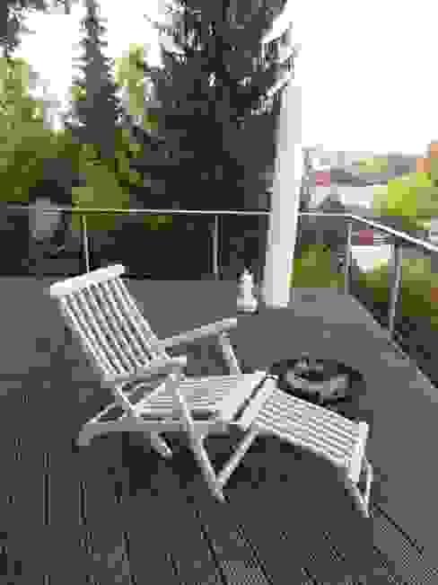 Staging einer Villa zum Verkauf Klassischer Balkon, Veranda & Terrasse von Home Staging Gabriela Überla Klassisch