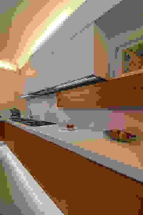 Cucina Bartolucci Architetti Cucina attrezzata Bianco