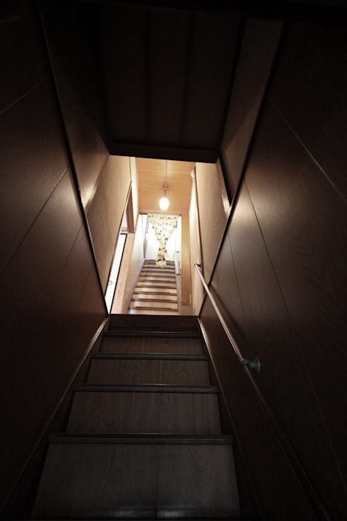リノベーション前 和風の 玄関&廊下&階段 の atelier m 和風