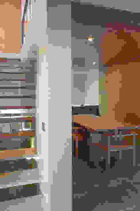 Sala de estar / jantar por Pedro Miguel Santos, arquitecto