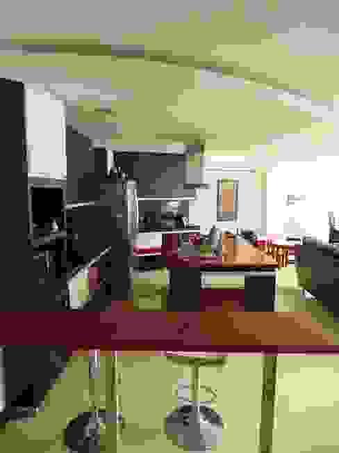 Casa 16 Cocinas modernas de Le.tengo Arquitectos Moderno